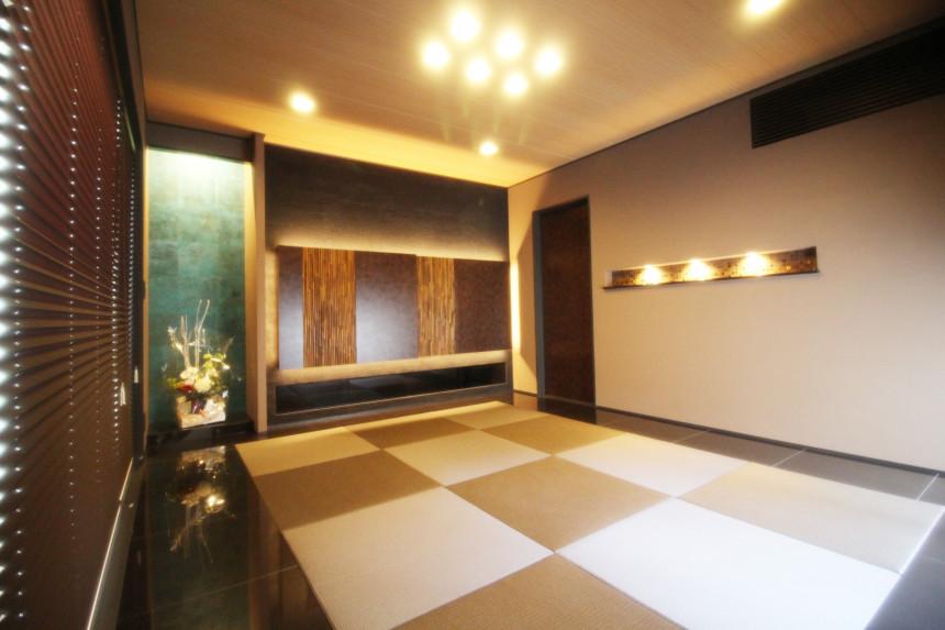 伝統の技が息づく青銅と校倉の黒い塗り壁 格調高き和の空間へ