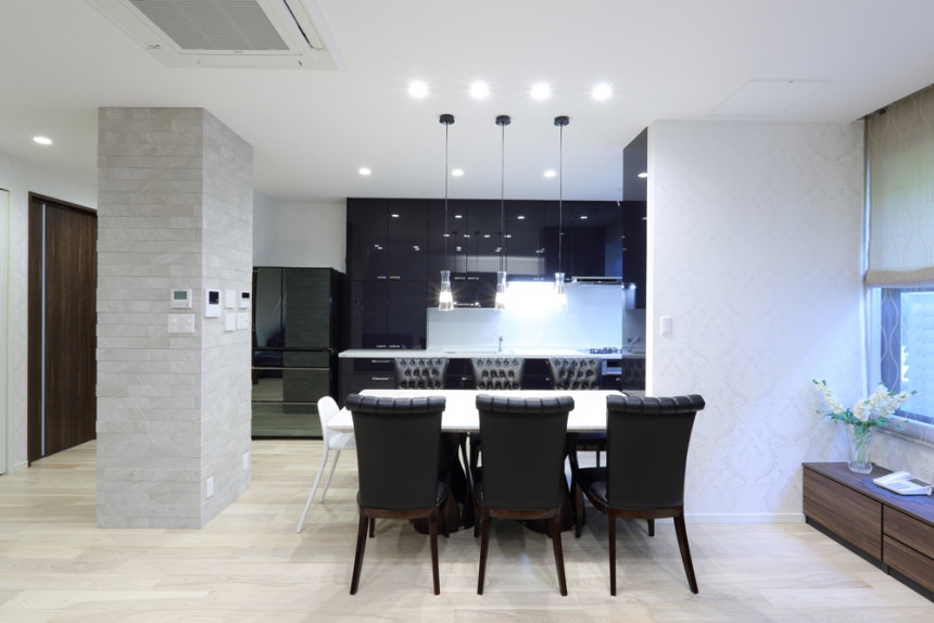 家族全員が快適に過ごす、やすらぎの完全同居型二世帯住宅