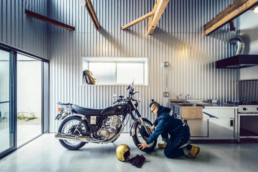 文化住宅からガレージを備えた長屋へリノベーション