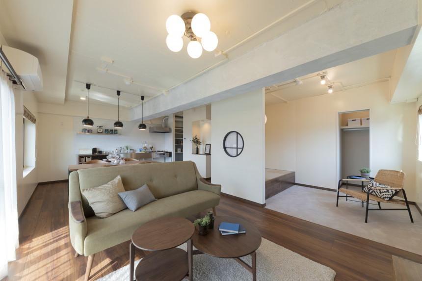 異素材、異空間が調和する家